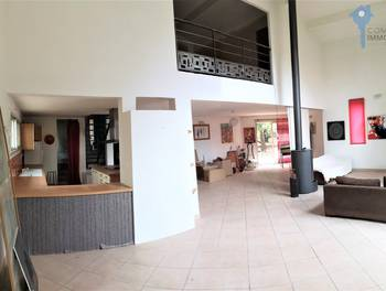 Villa 4 pièces 187 m2