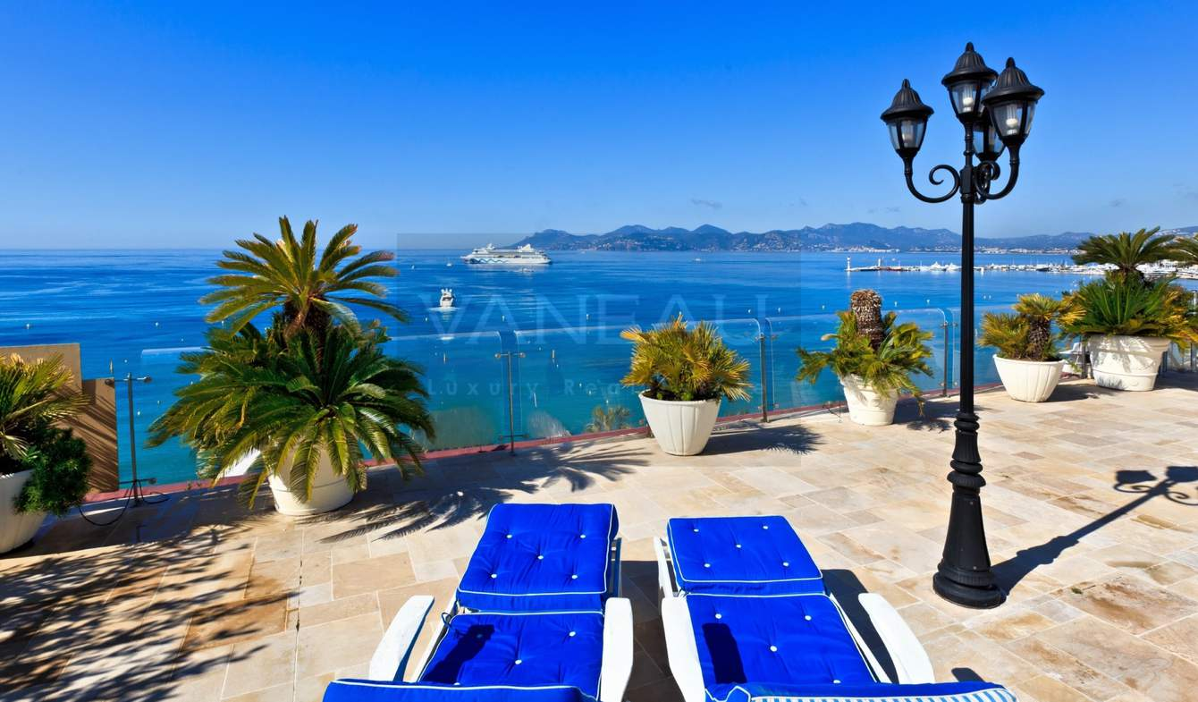 Appartement avec piscine en bord de mer Cannes