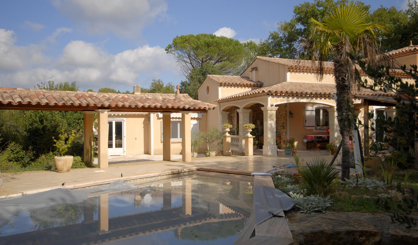 Property with pool and garden Besse-sur-Issole