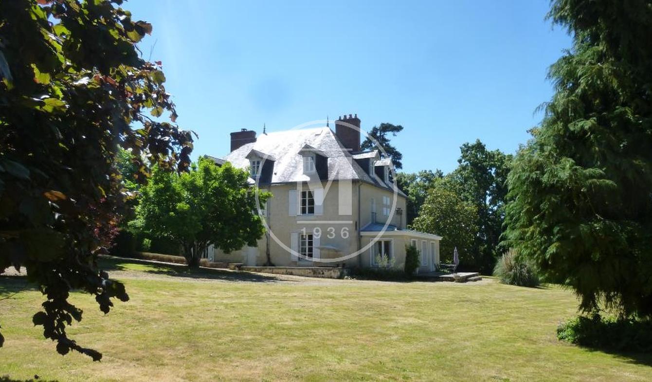 Maison avec piscine et terrasse Civray