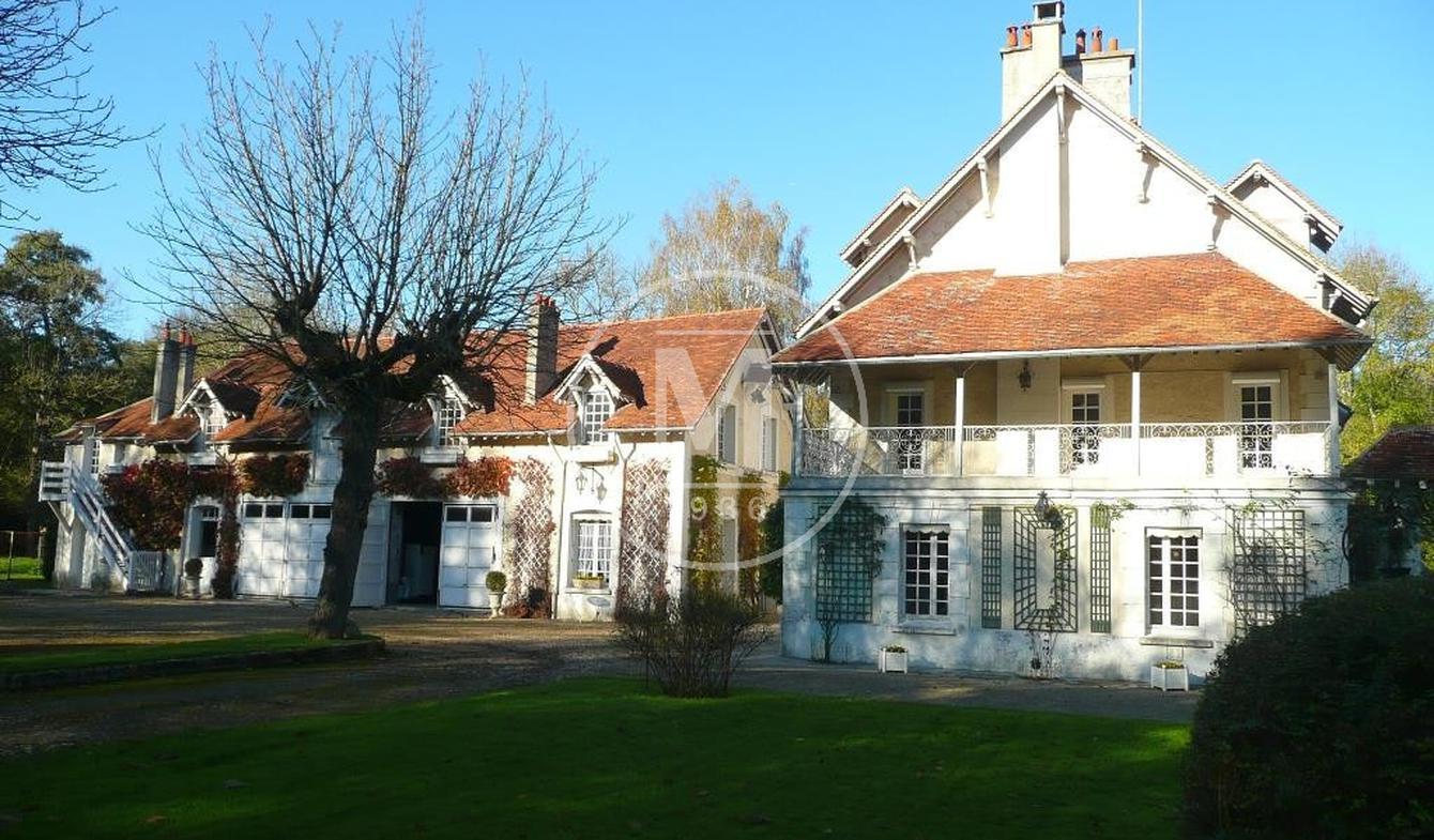 Maison avec piscine et terrasse Chessy