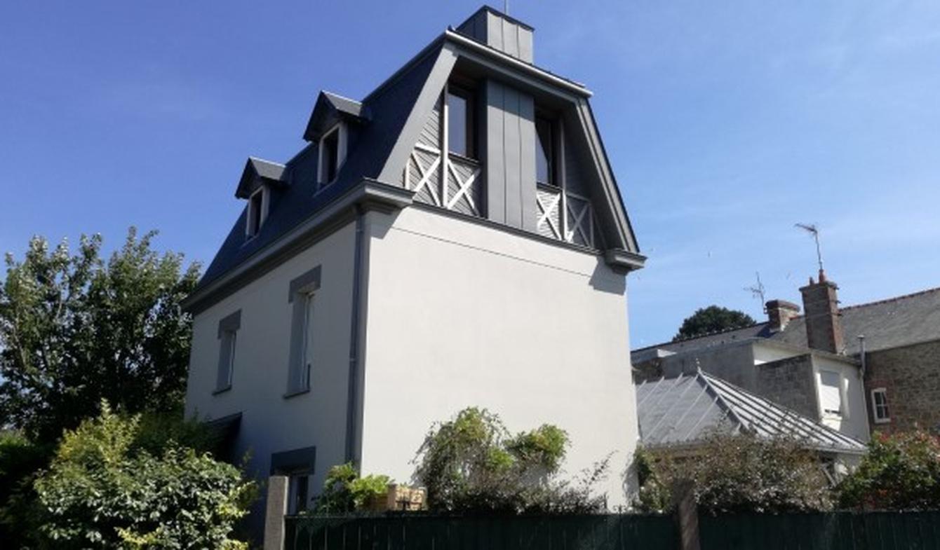 Maison contemporaine avec jardin et terrasse Dinard