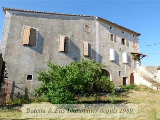 Vente maison 5 pièces 690 m2