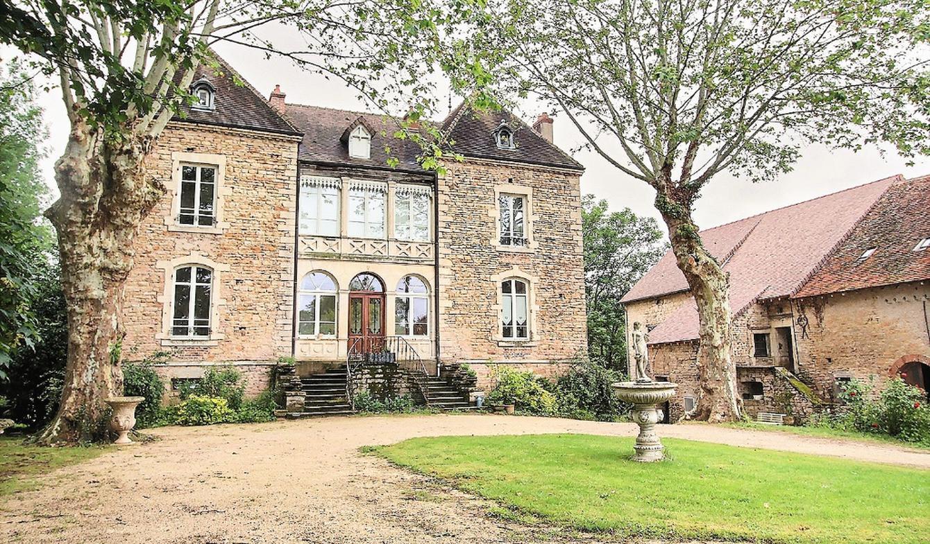 Maison avec terrasse Cormatin