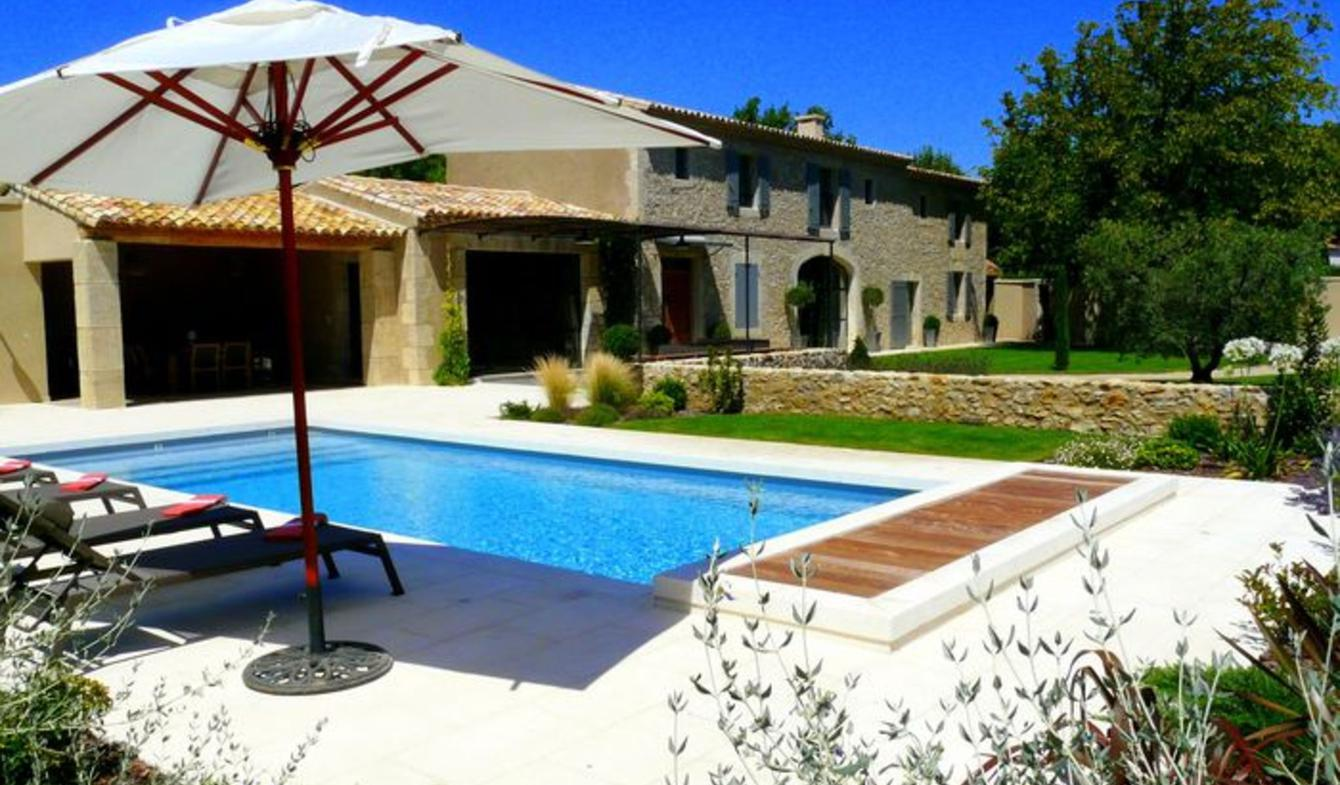 Property with pool and garden Eyguières