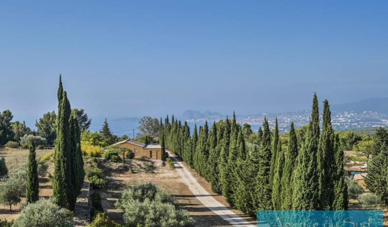 Villa avec piscine et terrasse Ceyreste