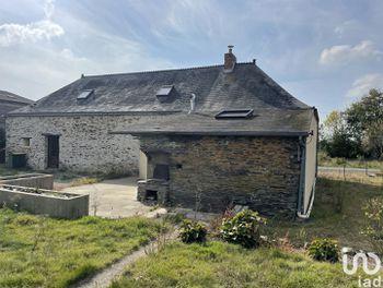 maison à Saint-Julien-de-Vouvantes (44)