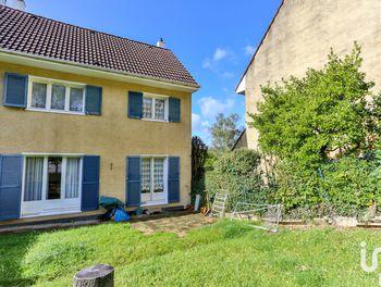 maison à Nézel (78)