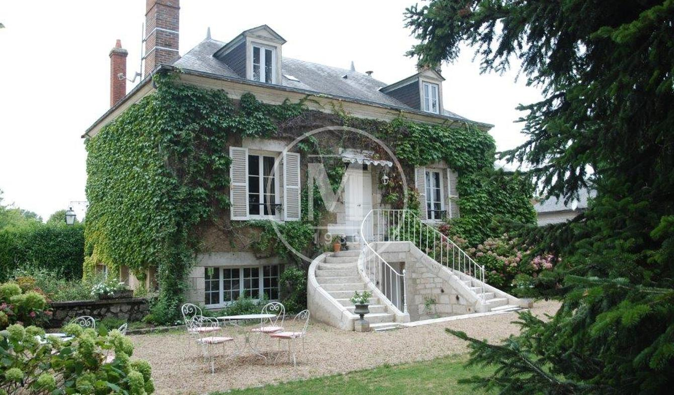 House with terrace Montargis