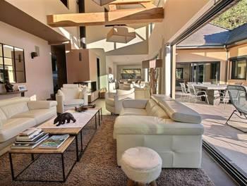 Villa 5 pièces 274 m2