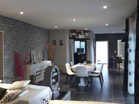 Vente villa 4 pièces 197 m2
