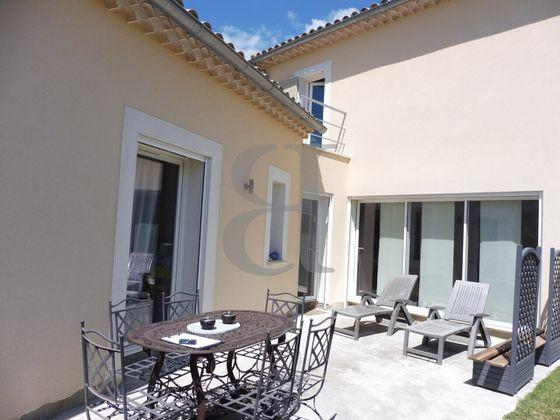 Vente villa 4 pièces 121 m2