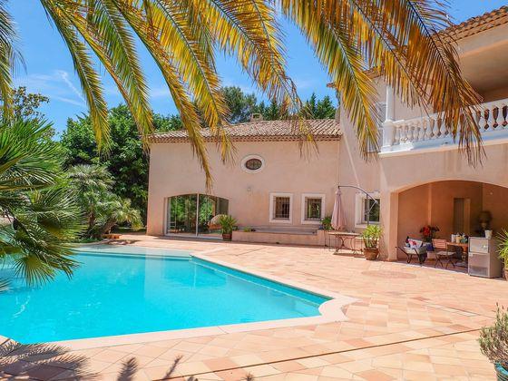 Vente maison 11 pièces 445 m2