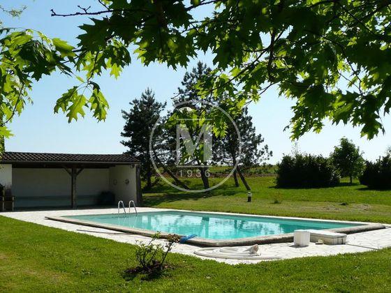 Vente maison 6 pièces 326 m2