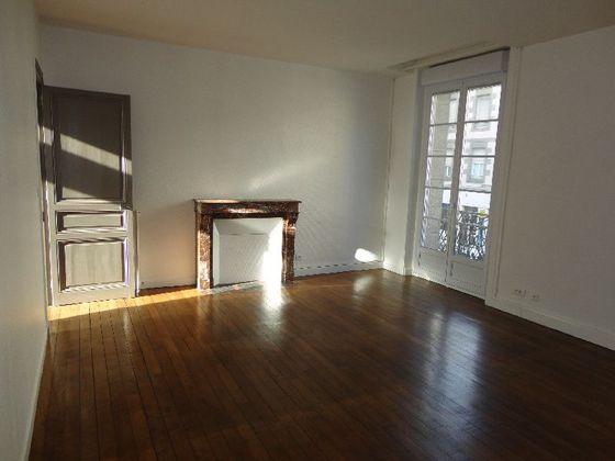 Location appartement 2 pièces 70,79 m2