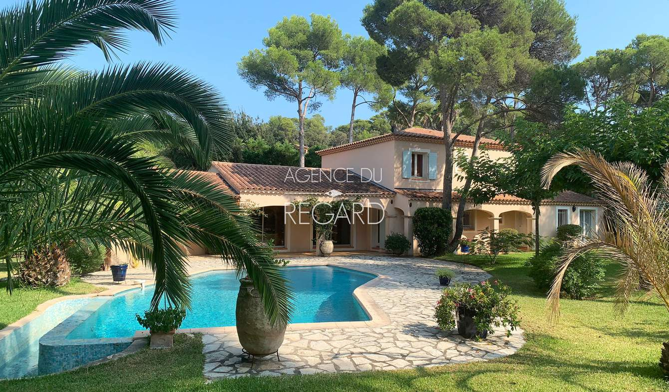 Seaside property with pool Bormes-les-Mimosas