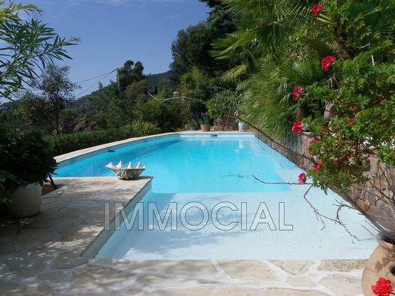 Vente villa 6 pièces 1240 m2
