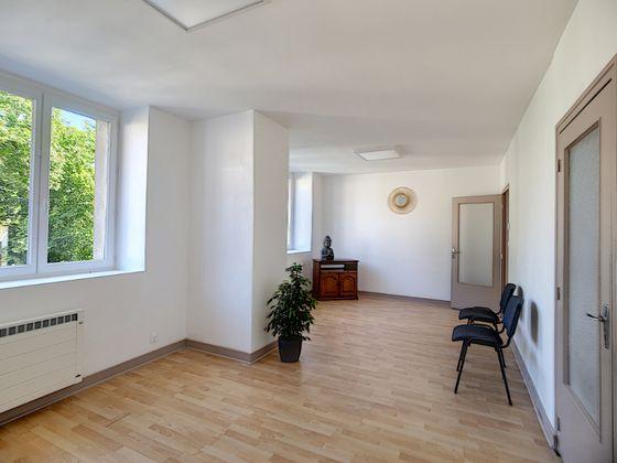 Location divers 6 pièces 184 m2