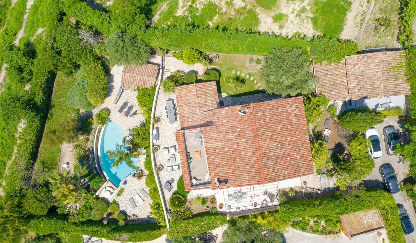 House with pool and terrace Vence