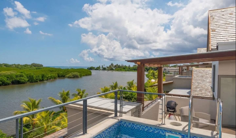 Appartement contemporain avec terrasse et piscine Rivière Noire