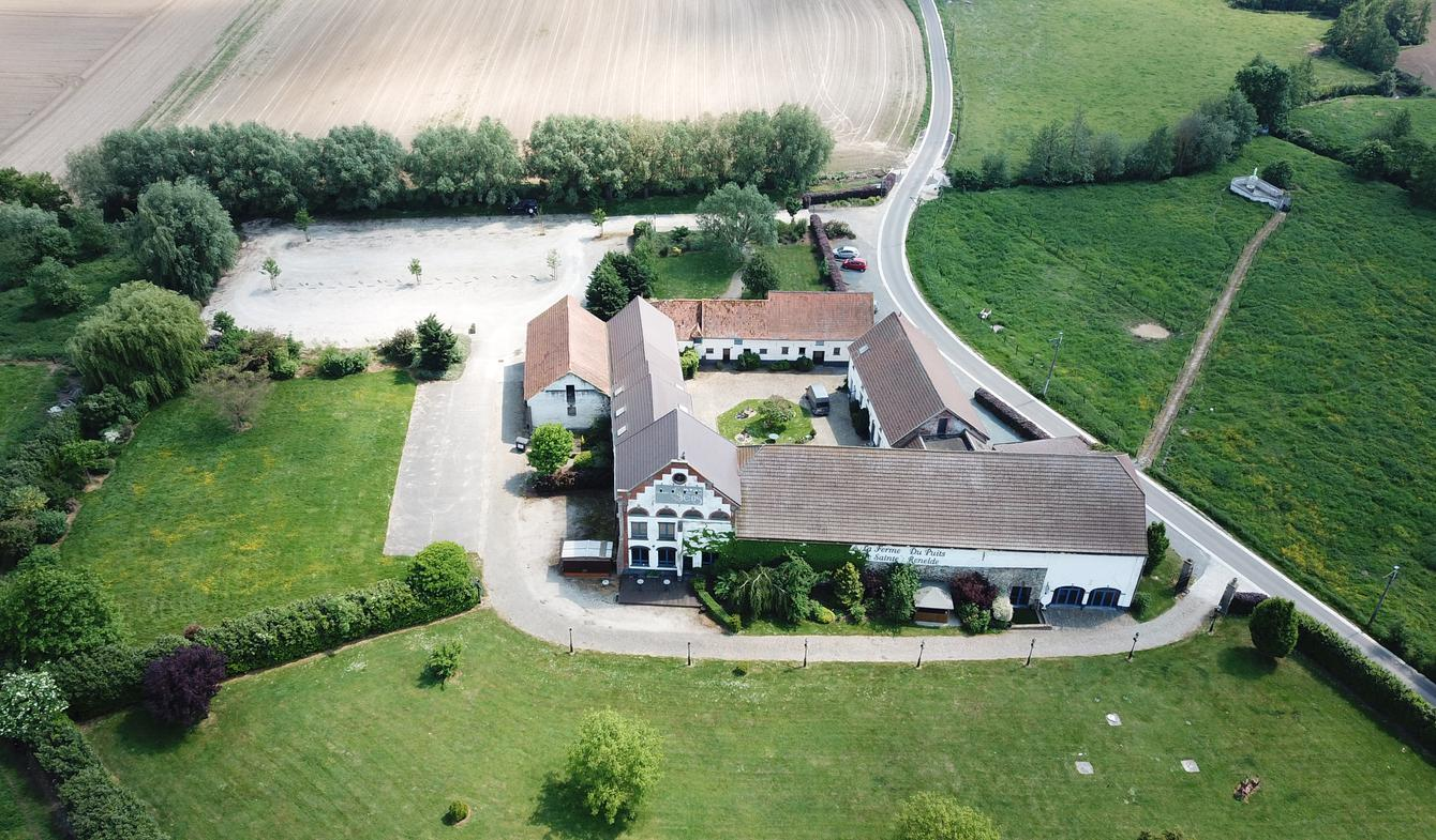 Farm house with outbuildings and garden Tubize