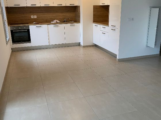 Location appartement 3 pièces 64,49 m2