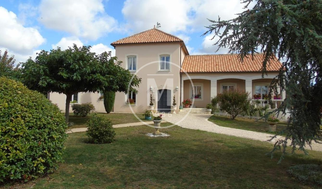 Villa with pool and terrace Poitiers