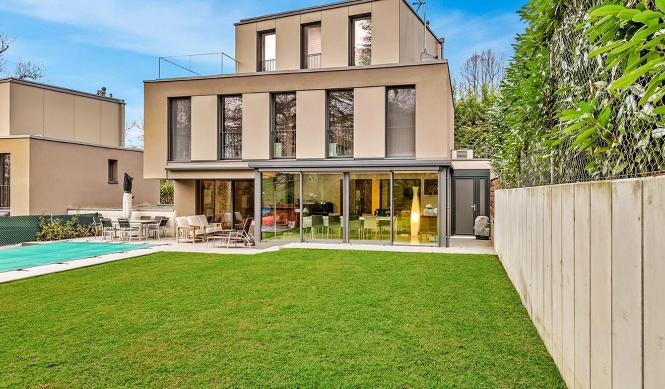Villa with pool and garden Geneva