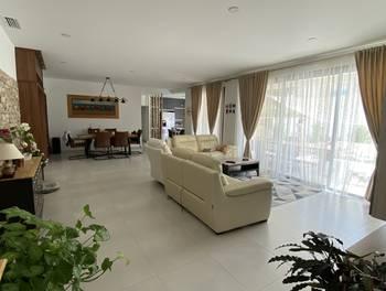 Villa 5 pièces 172 m2
