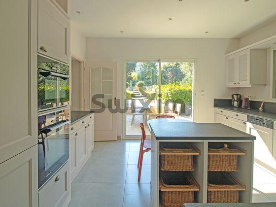 Vente villa 6 pièces 205 m2