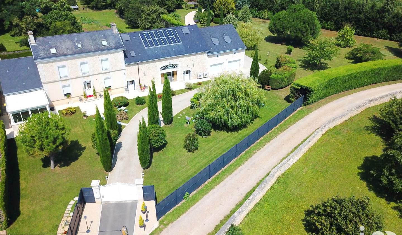 Propriété avec piscine Saint-Georges-lès-Baillargeaux