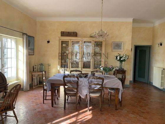 Vente maison 15 pièces 754 m2