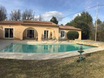 villa à La Verdière (83)