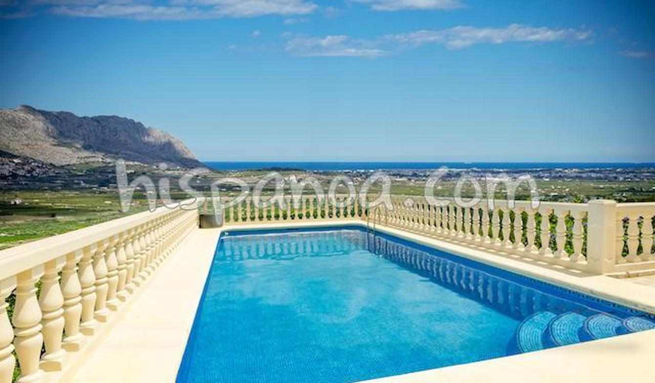 Villa with pool and terrace Orba