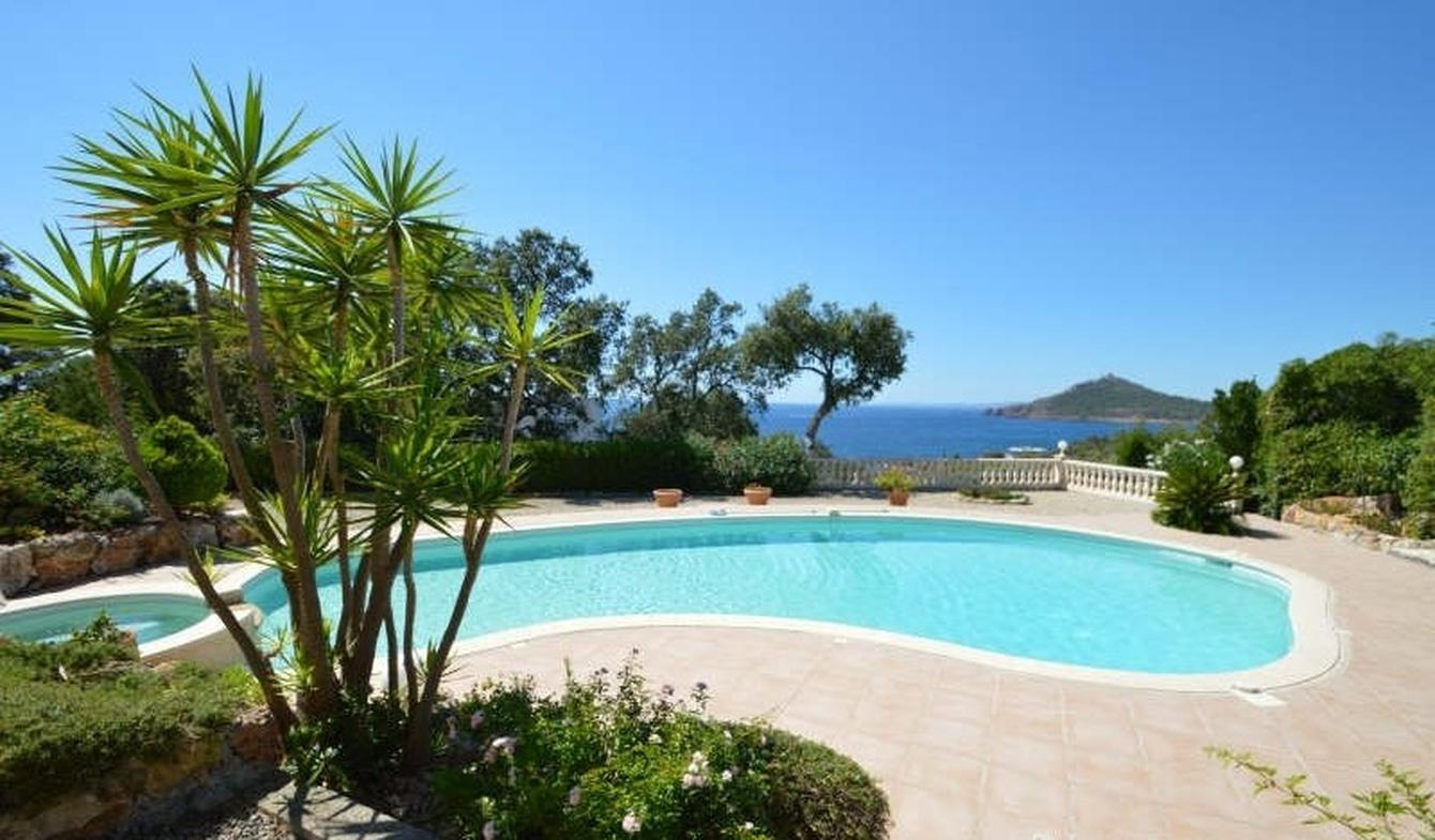 Maison avec piscine et terrasse Agay