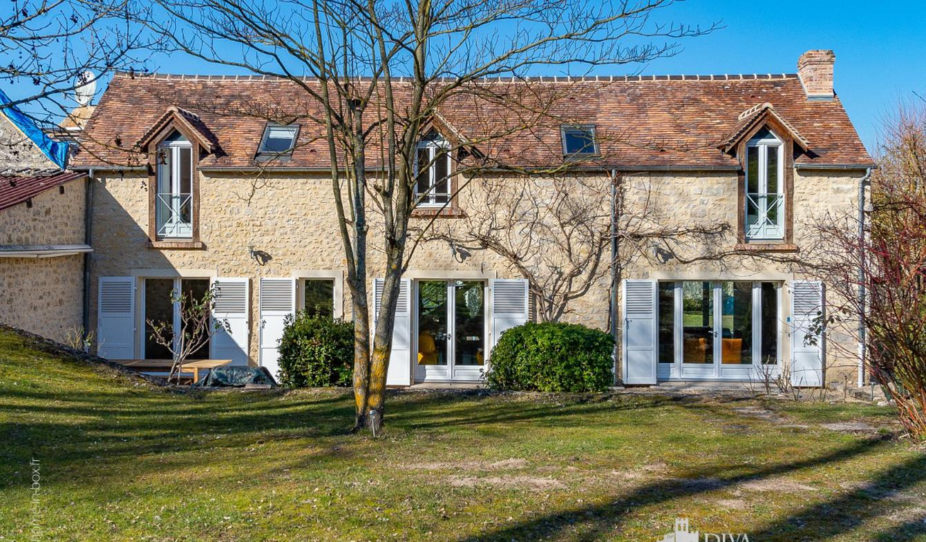 Maison avec piscine et terrasse Darvault