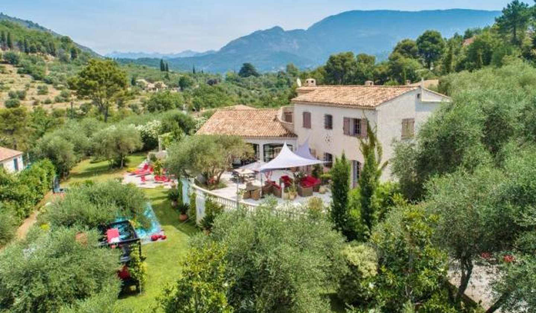Villa avec piscine et terrasse La Roquette-sur-Var