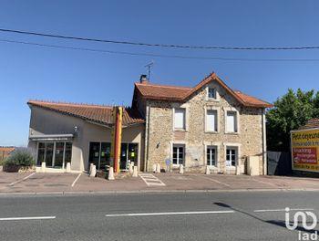 locaux professionels à Roumazières-Loubert (16)