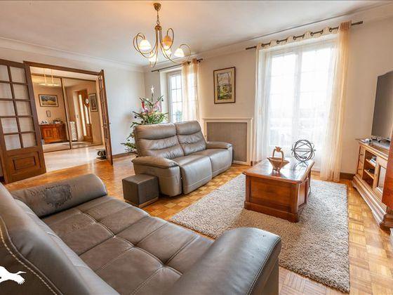 Vente maison 5 pièces 186 m2