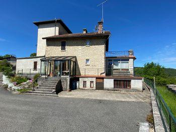 maison à Saint-Julien (39)