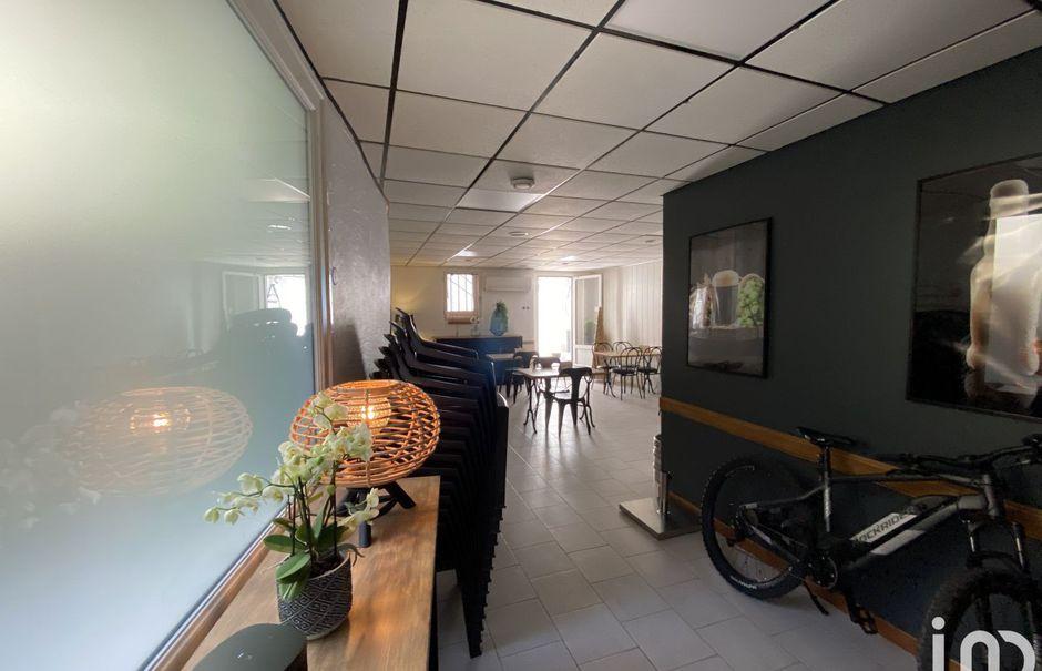 Vente locaux professionnels  110 m² à Saint-Hippolyte-du-Fort (30170), 110 000 €