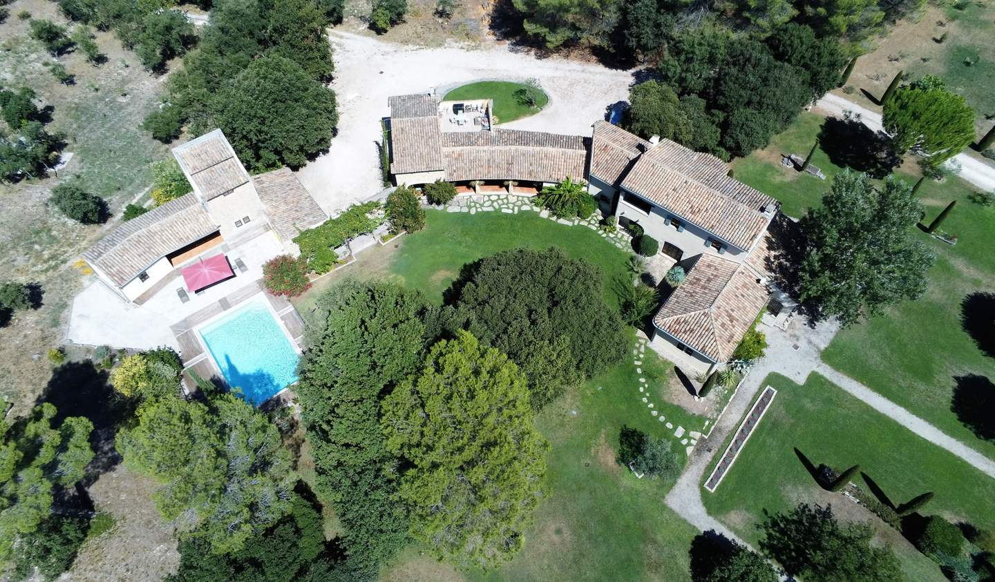 House with pool Avignon