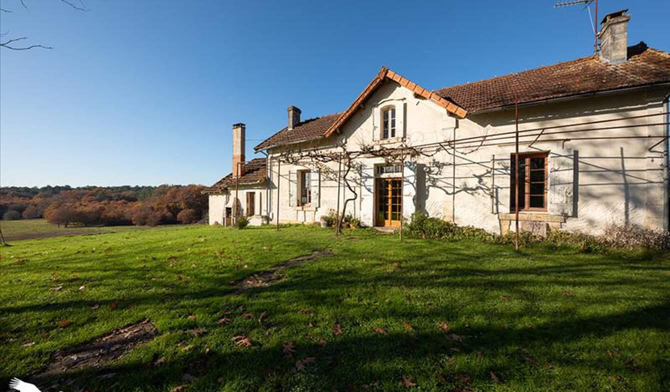 Maison Saint-Barthélemy-de-Bellegarde
