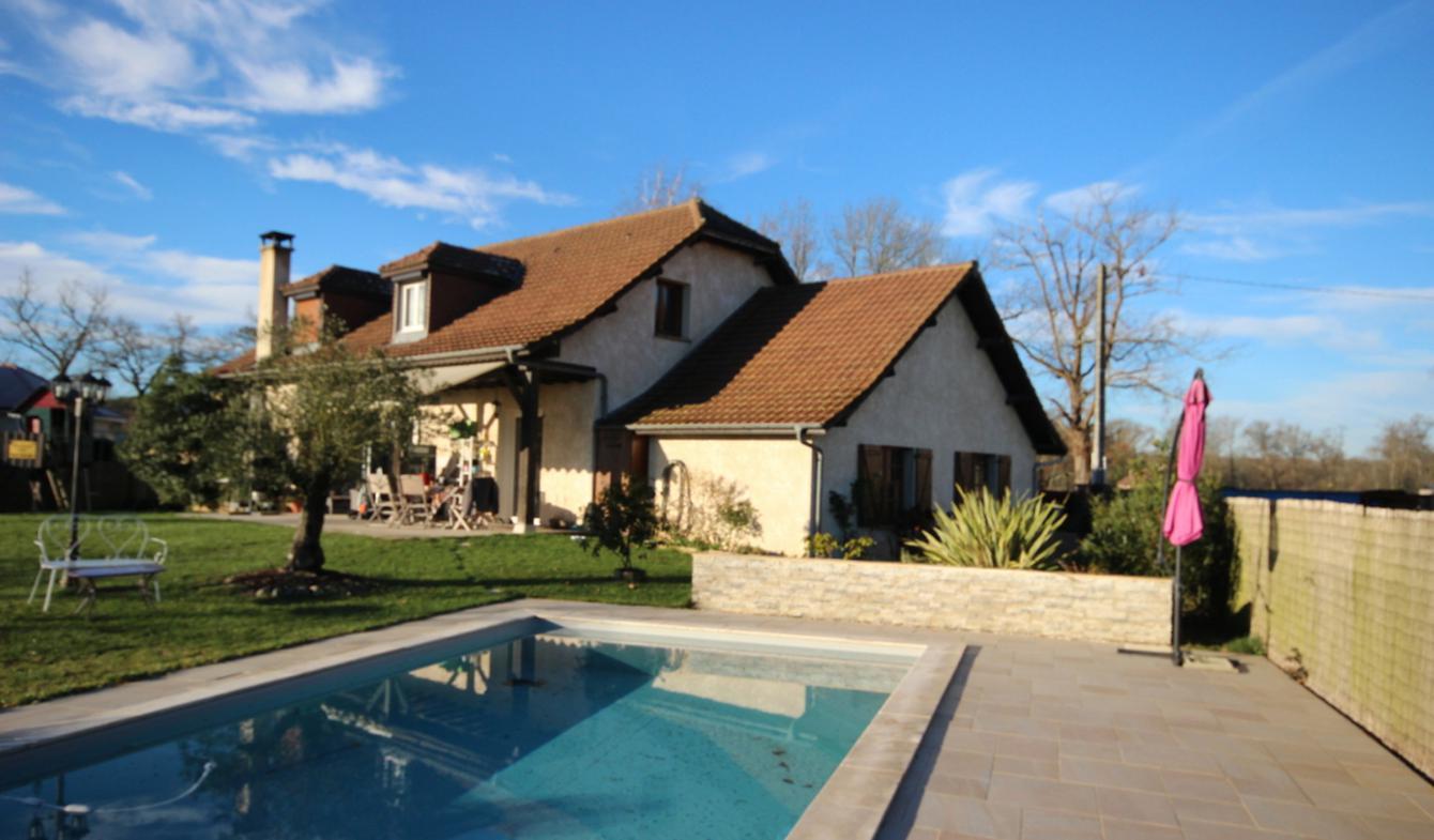 Maison avec piscine Mazerolles