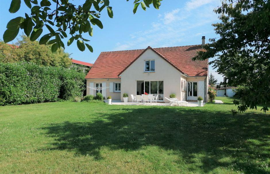 Vente maison 6 pièces 140 m² à Houdan (78550), 453 650 €