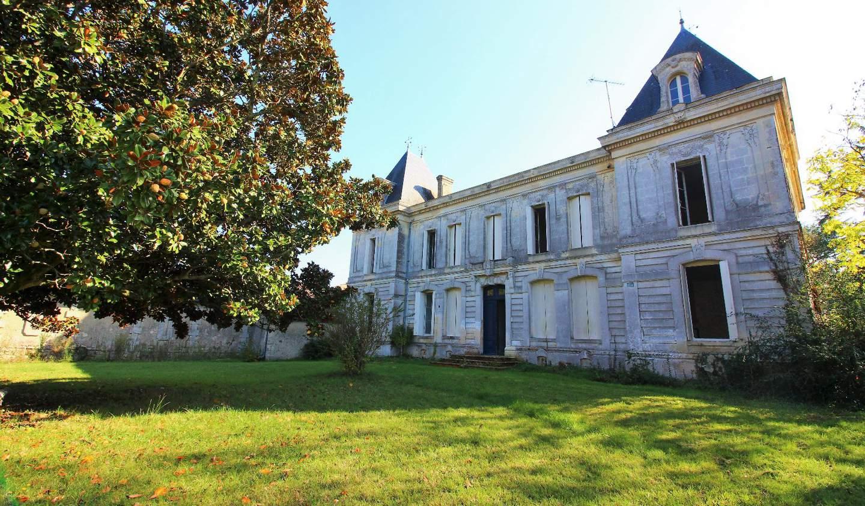 Château Saint-Sulpice-et-Cameyrac