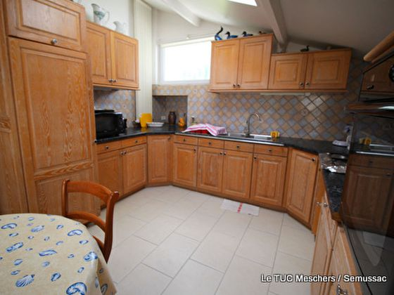 Vente maison 6 pièces 663 m2