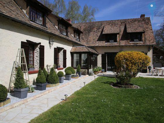 Vente propriété 8 pièces 225 m2