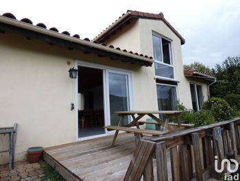 maison à Saint-Ilpize (43)