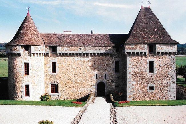 Château Classé Monument Historique, Saint-Pierre-de-Frugie